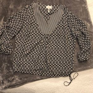 Laundry by Shelli Segal black and white blouse